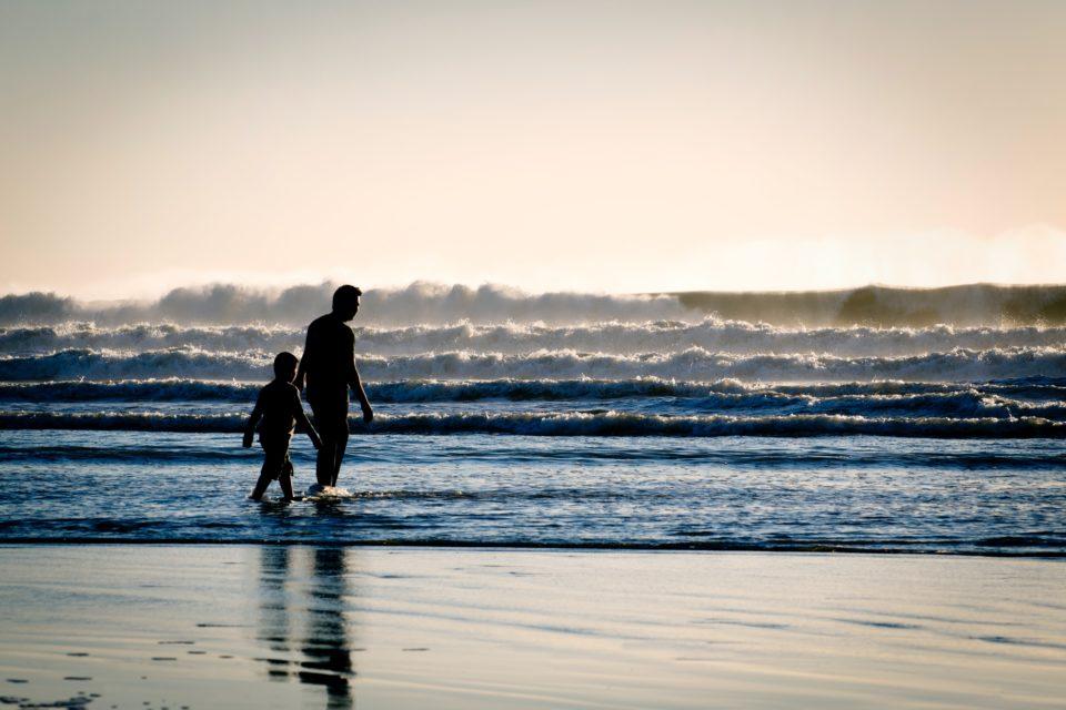 父親と子供の写真