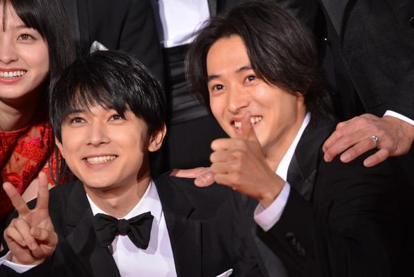 吉沢亮と山崎賢人の画像